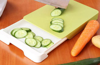 Plastic cutting boards are less hygienic than wood cutting boards!